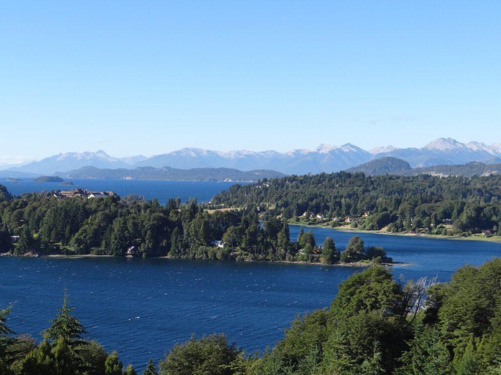 lake-820938_1920